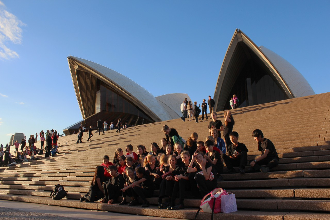 Normanhurst Public School students sitting by the opera house stairs
